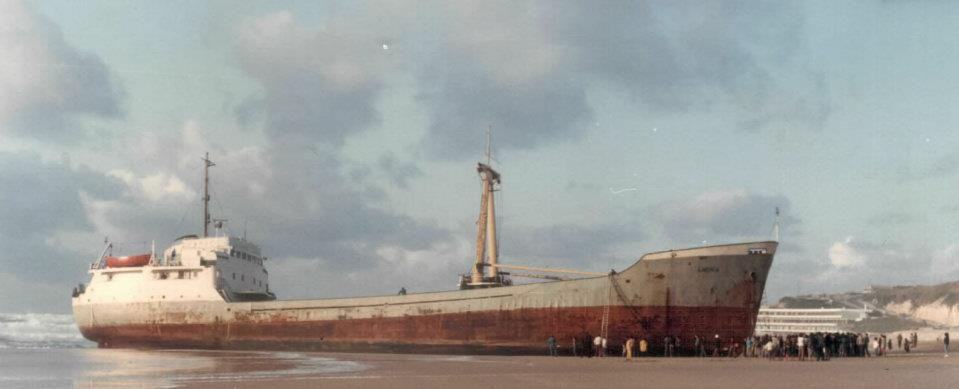 Praia Grande barco Angra