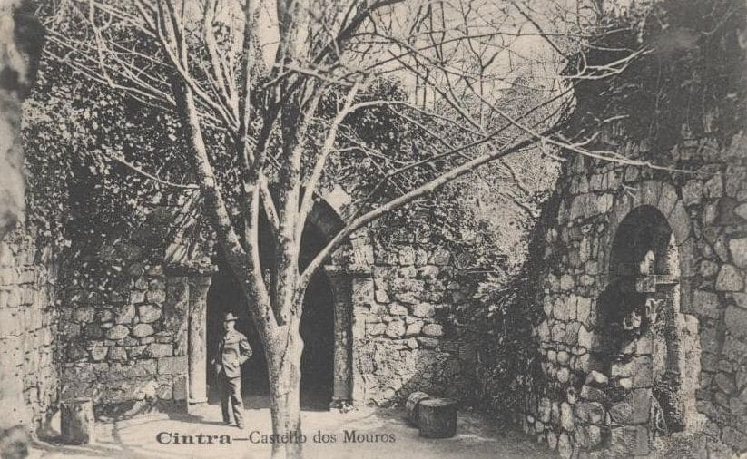 Capela no Castelo dos Mouros