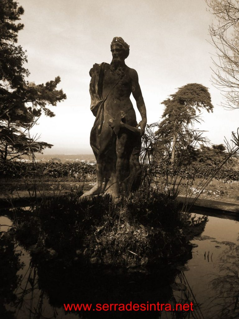 Estátua do Deus Neptuno na Quinta da Penha Verde