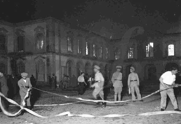 Incendio no palacio de Queluz 2 Incêndios na Serra de Sintra
