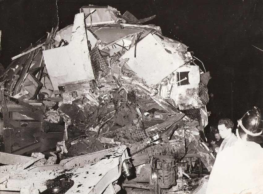 escombros das carruagens 1 Acidente Comboio em Sintra