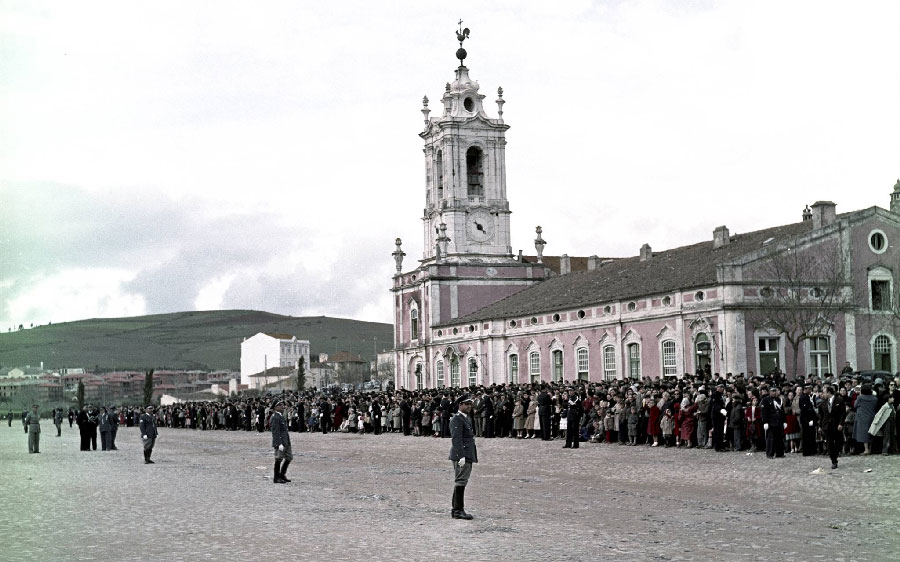Chegada da Rainha Isabel II ao Palacio de Queluz Visitas Reais a Sintra