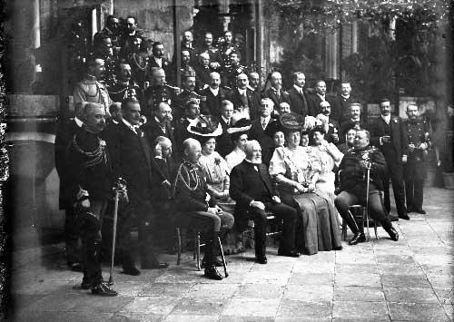 Com a Familia Real e cortesaos Visitas Reais a Sintra