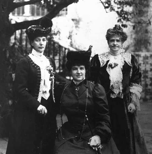 Visita da Rainha Alexandra de Inglaterra retrato com Dona Amelia e Dona Maria Pia Visitas Reais a Sintra